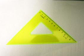 Треугольник 45*12см СТАММ прозрачный